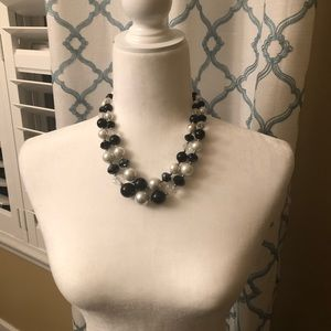 Jewelry - ❌SOLD❌🤑BOGO🤑 ❌❌NOT FOR SALE ❌❌Statement Necklace